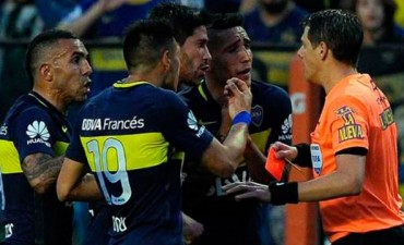 Tras su expulsión, Carlos Tevez podría recibir tres fechas de suspensión