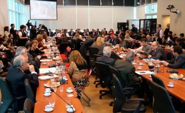 Gobernadores reclaman $ 25.000 millones más para las provincias en 2017
