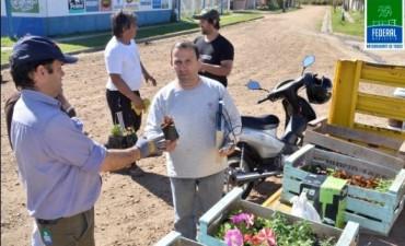 Campaña de recolección de residuos eléctricos y electrónicos en Barrio Centenario