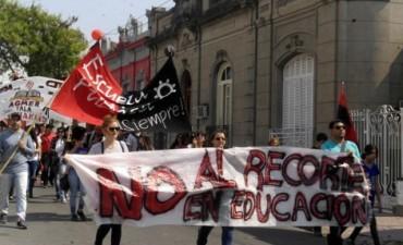 Senadores solicitan que el CGE suspenda las re-categorizaciones de escuelas