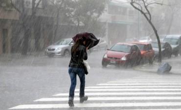 Fin de semana con pronóstico reservado: Anuncian sol, pero también lluvias