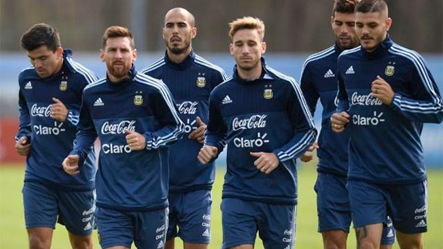Selección: Mascherano, Banega y Acosta serán titulares ante Venezuela