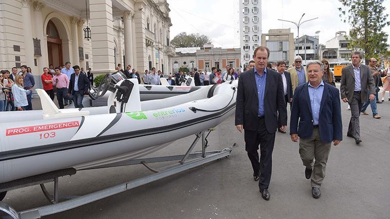 Entre Ríos adquirió embarcaciones y vehículos para casos de emergencia. Una ambulancia para Federal