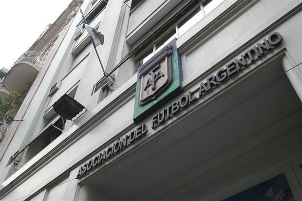 Conflicto en puerta en la AFA por la ayuda de la Superliga a los cuatro descendidos a la B Nacional