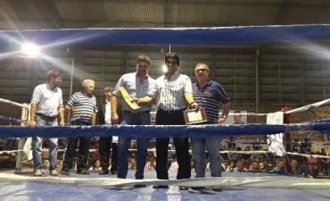 "EL MUNICIPIO RECONOCIÓ LA TRAYECTORIA DEL BOXEADOR LOCAL JUAN DOMINGO ""EL BOMBARDERO"" SUÁREZ"