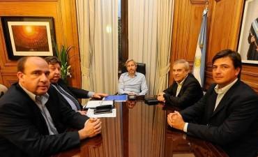 Frigerio sigue nombrando a sus familiares y contradice al presidente del PRO de Paraná