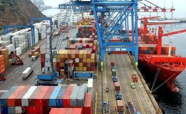 Preocupante: se desplomaron las exportaciones y el déficit comercial saltó a u$s 1.083 M