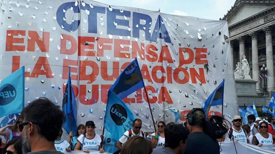CTERA convocó a un paro nacional docente y también marcha al Congreso