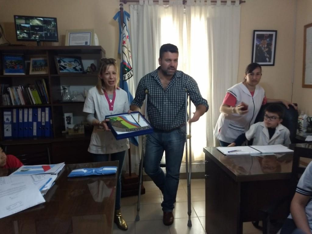 """GUIADO DE PROGRAMA """"CONOCÉ FEDERAL"""" Y ENTREGA DE BANDERA DE CEREMONIA DE LA CIUDAD"""