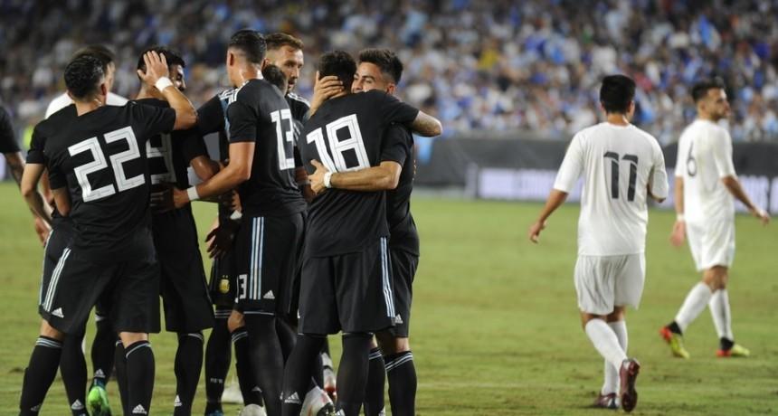 La Selección de la renovación aprobó su primer examen con una goleada ante Guatemala