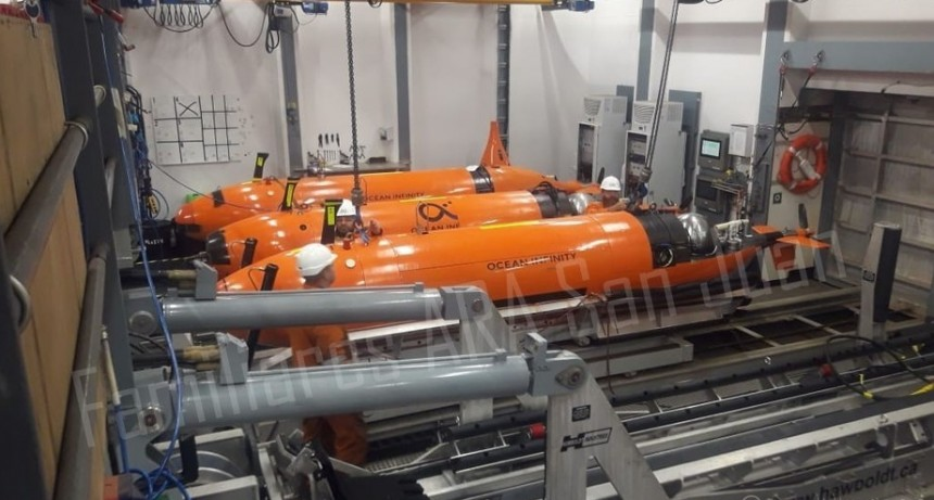 """Los """"ojos"""" submarinos: tres robots buscan en el fondo del océano al ARA San Juan"""