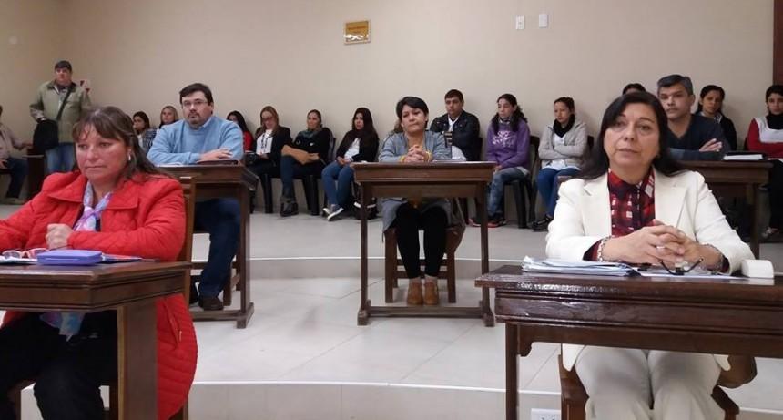 Concejales opositores preguntan si funcionarios municipales recibieron adicionales extraordinarios
