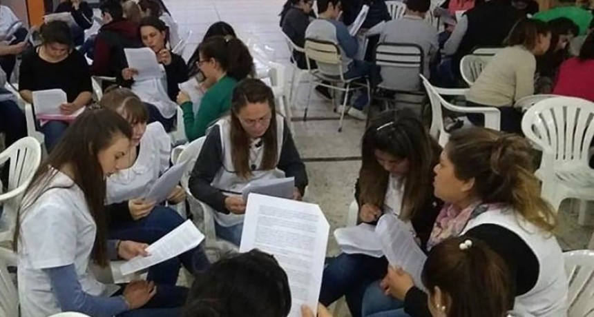 Estudiantes del instituto de formación docente de Federal participaron de una charla sobre Artigas