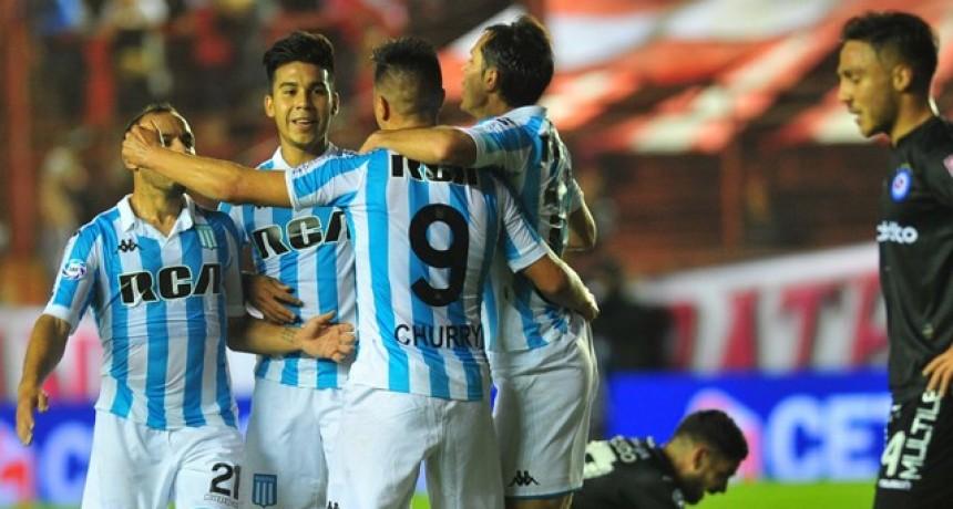 Racing venció a Argentinos y se consolida en la punta de la Superliga