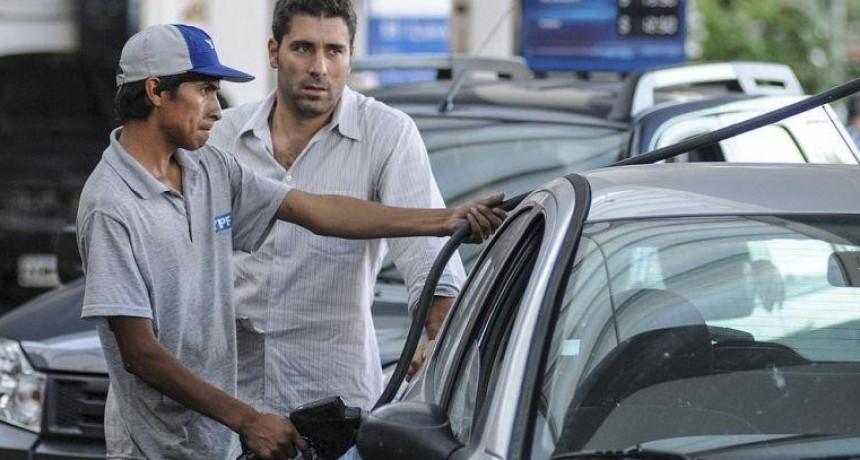 YPF también aumenta los precios de los combustibles hasta 10%