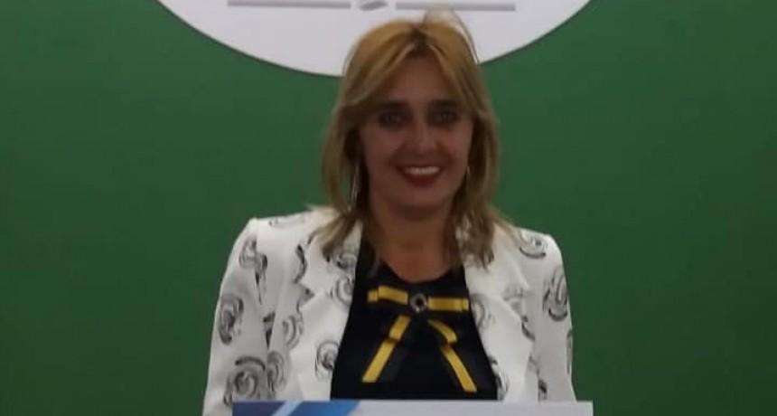 Reconocimiento por su labor y trayectoria a la Docente Susana Marcela Wetzel