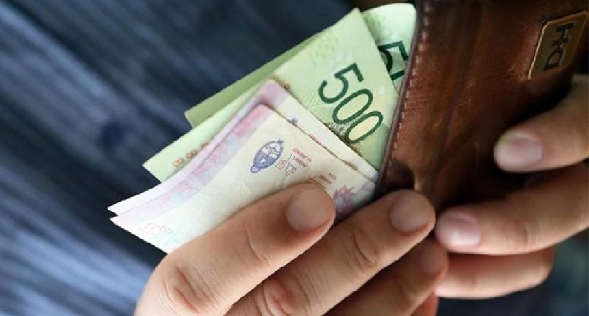 Advierten que el salario real caería cerca de 7% a lo largo de 2019