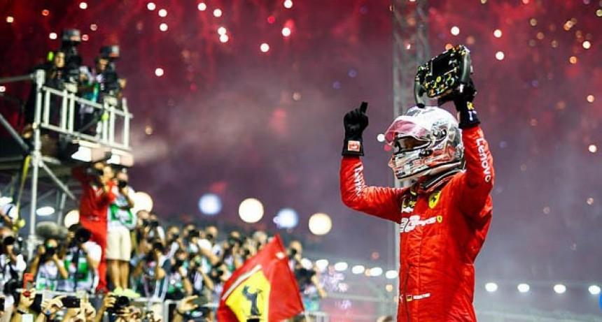 Vettel ganó en la Fórmula 1 y Leclerc completó el 1-2 de Ferrari en Singapur