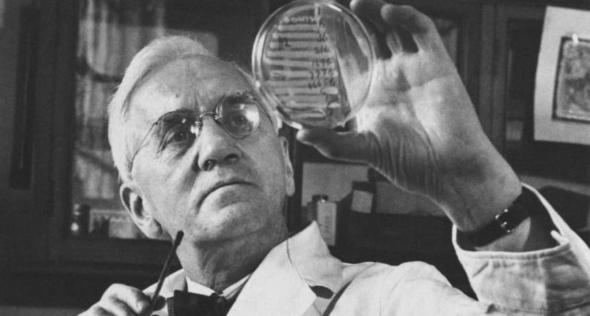 La penicilina, un invento que entró por la ventana