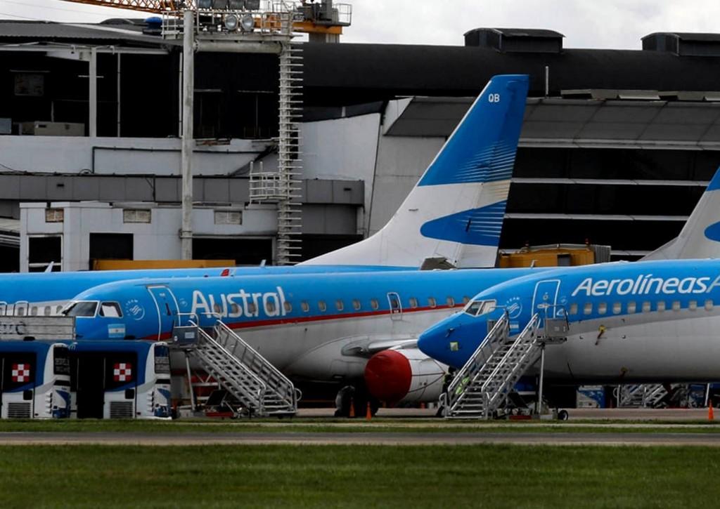 El Gobierno quiere que en octubre regresen los aviones y los ómnibus