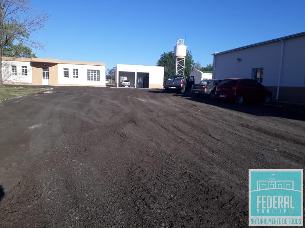 El Municipio colabora con la puesta a punto de la playa de estacionamiento del nuevo Centro Cívico