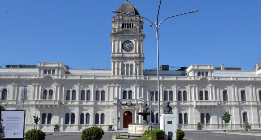 El gobierno convocó a los gremios estatales para analizar la situación salarial