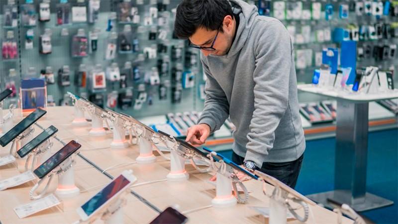 Rematan celulares con descuentos de hasta el 35% y en 18 cuotas sin interés