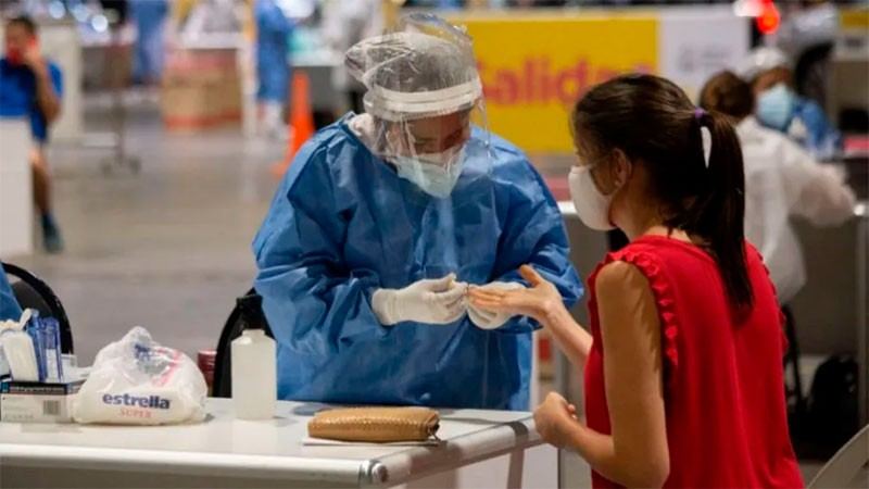 Reportaron 135 muertes y 2.493 nuevos casos de coronavirus en Argentina