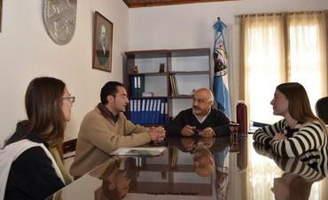 Reunión de Felipe Torres con una O.N.G.