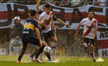 River-Boca: bajo la lluvia, el superclásico se jugó como se pudo y terminó 1 a 1