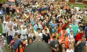 Ni la lluvia paro a los miles y miles de peregrinos