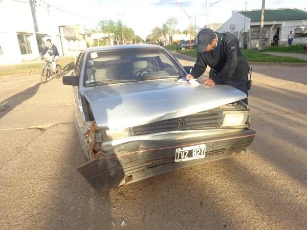Dos vehículos chocaron en Mitre y Echague