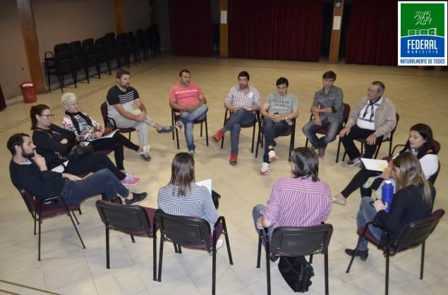 Reunión de la Comisión Central del Festival Nacional del Chamame .