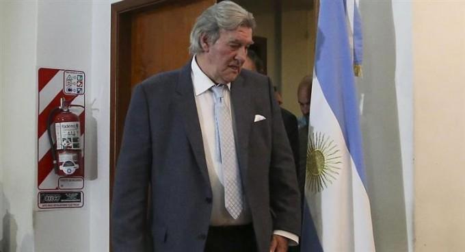 El ascenso acorrala a un Pérez debilitado y reclama elecciones en AFA