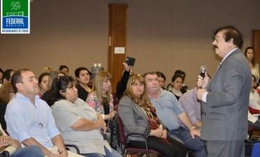 El reconocido neurobiologo Mario Crocco brindo una charla en el Centro Cultural