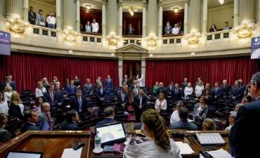 Carrera contra la inflación: Diputados y senadores tendrán un aumento del 47 %