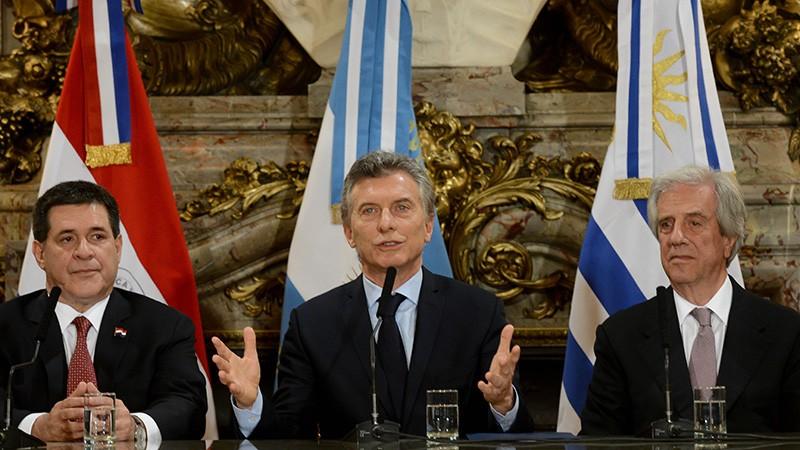 Argentina, Uruguay y Paraguay lanzaron la candidatura para el Mundial de 2030