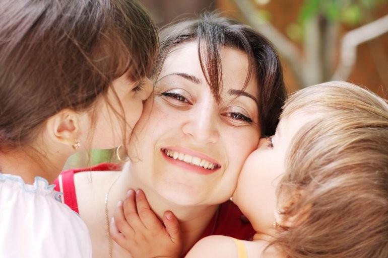 ¿Por qué se celebra hoy el Día de la Madre?