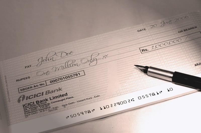 Impuesto al cheque: por qué es y será difícil eliminarlo