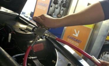 Mediante un chip impedirán cargar gas a autos con GNC que no estén habilitados