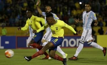 Ecuador-Argentina: con tres goles de un Messi extraordinario, la selección ganó en Quito y se clasificó al Mundial