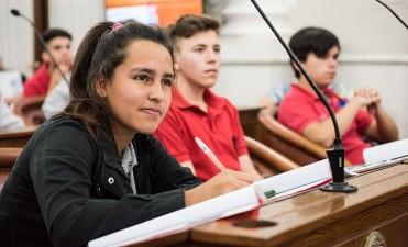 Cerró la etapa departamental del Senado Juvenil. Presencia de estudiantes de  Tala, Villaguay y Federal