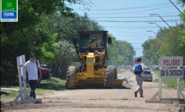 Federal : la nueva motoniveladora ya se encuentra la servicio de la comunidad
