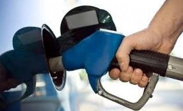 Cada litro de combustible podría costar un peso más en Entre Ríos