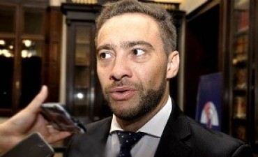 El ministro Mauro Urribarri presentó su renuncia indeclinable.