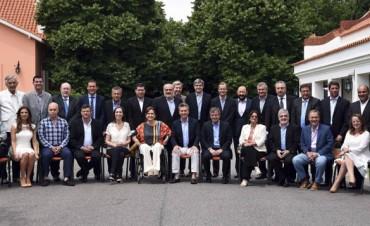 Macri hará que las provincias achiquen aún más el gasto