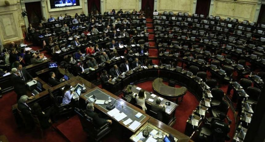 Un Congreso paralizado abre sus puertas para recibir a Peña