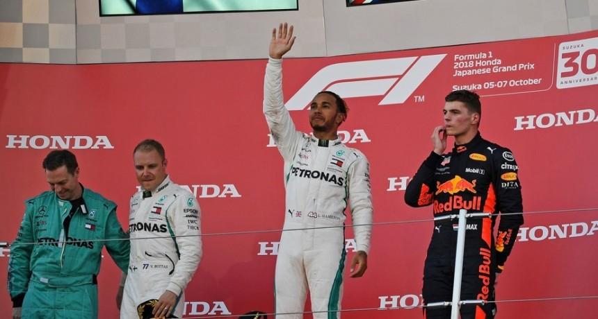 Lewis Hamilton ganó en Suzuka y quedó a un paso del pentacampeonato en la Fórmula Uno