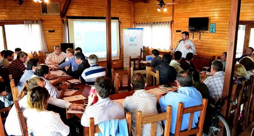 C.Bernardi participo en encuentro de trabajo para implementar el relleno sanitario del nodo Parana Medio
