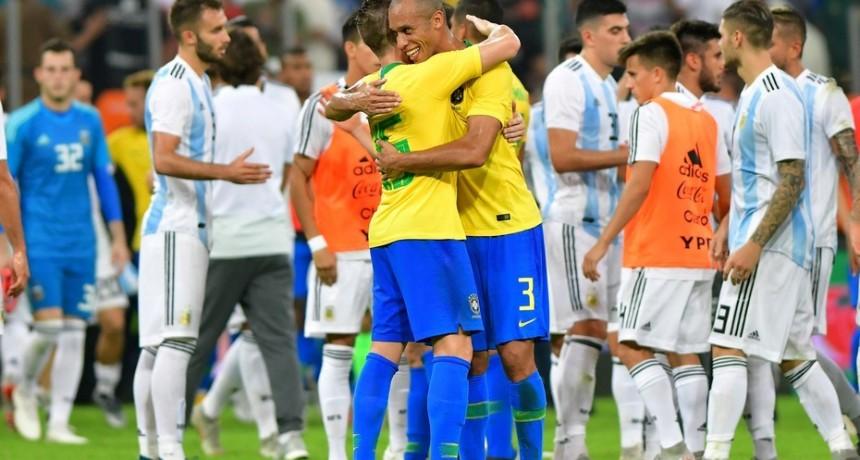 Los históricos fallaron en la última pelota y Argentina perdió con Brasil